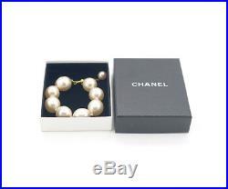 CHANEL Large Pearl Bracelet Gold tone Bangle withBOX v740