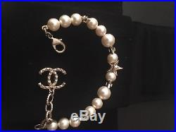 Chanel 2016 Collection Pearl Bracelet Gold Toned Metal Stars