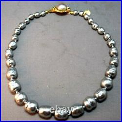 ELEGANT Luminous Gray Baroque Faux Pearl Vintage Chanel Necklace! SUPERB! 1981
