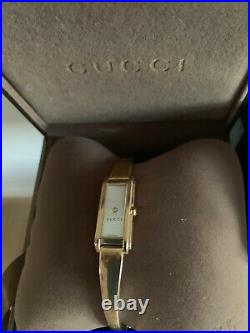 Gucci 1500L Swiss Made Ladies Quartz Bracelet Watch with Mother of Pearl Gold